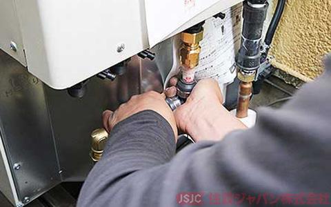 エコキュートの給湯配管の接続5